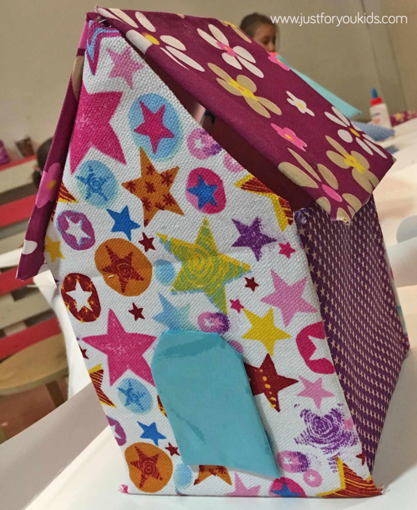 Blog infantil manualidad infantil crea una casita de tela - Casita tela ninos ...